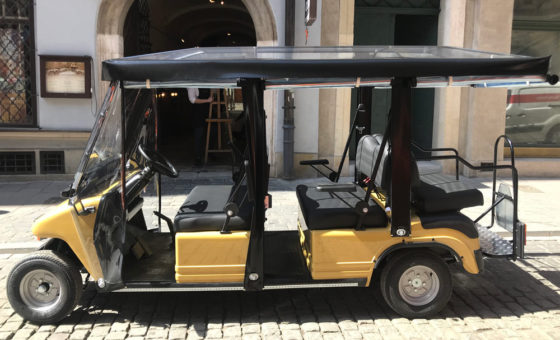Cracow Sightseeing by Electric Car photo
